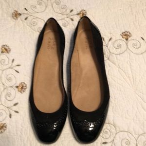 New size 11 Naturalizer Clarabelle black